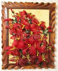 Картина ручной работы с лилиями из бисера