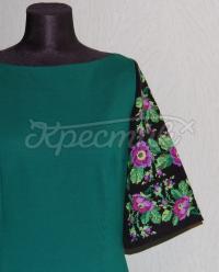 Зеленое украинское платье с вышивкой на рукавах фото