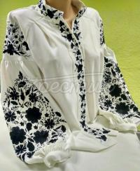 Жіноча вишита блуза з квітами придбати
