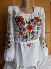 Женская вышиванка - вышита шелковыми нитками фото