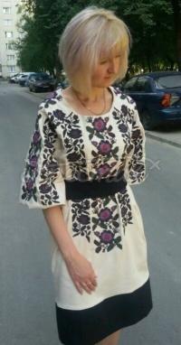 Жіноча вишита сукня Квітка придбати