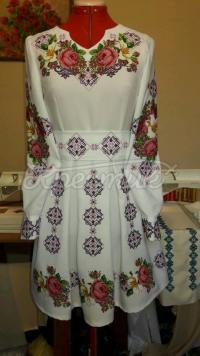 """Жіноча вишита сукня """"Геометрія троянд"""" придбати"""