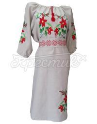 Плаття в українському стилі з квітами і орнаментом на поясі