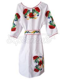 Женское белое платье с вышивкой