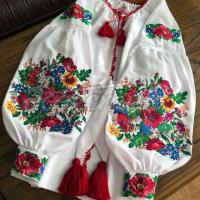 """Жіноча біла вишита блуза """"Квіткове поле"""" фото"""