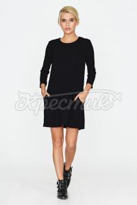Чорна сукня з орнаментом на кишенях  фото