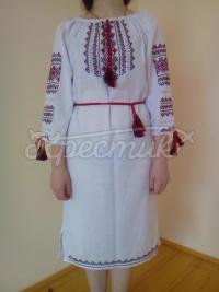 Классическое женское вышитое платье ручной работы фото