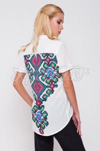 Женская блузка с имитацией старинной вышивки