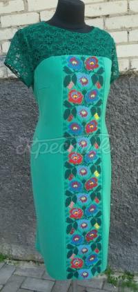 Ніжна зелена сукня з вишивкою Ніжність фото