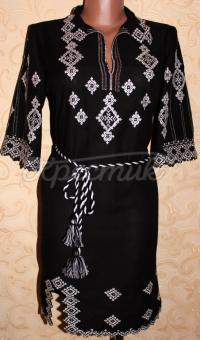 Черное вышитое женское платье фото