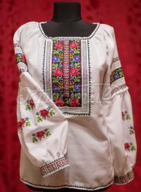"""Женская вышиванка с борщевскими цветами """"Райская"""" фото Крестик"""