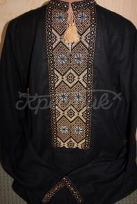 Черная мужская вышиванка в коричневых тонах
