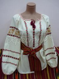 """Українська жіноча вишиванка """"Ніжні мотиви квітів"""" фото"""