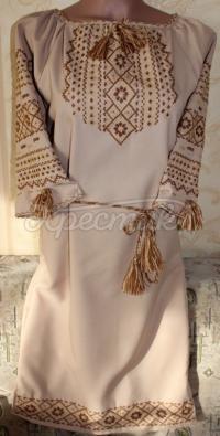 Украинское бежевое платье с вышивкой