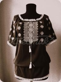"""Черная женская вышиванка """"Белым по черному"""" фото"""