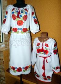 """Парні вишиванки для мами і дочки """"Маковий цвіт"""" фото"""