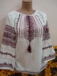 Вышиванка женская нарядная крестиком