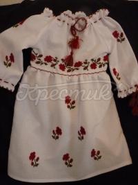 Детское платье вышиванка с розочками фото