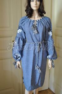 Сукня голубого кольору з вишитими квітами придбати