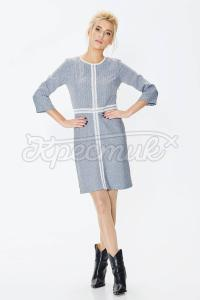 Сукня прямого фасону прикрашена мереживом фото