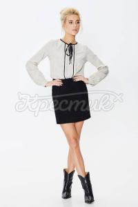 Красива блуза ніжного дизайну фото