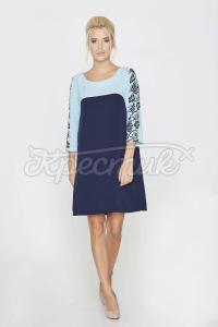 Голуба сукня з красивим орнаментом на спинці фото