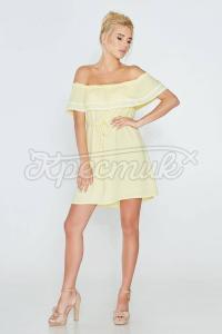Дивовижне плаття з рюшами на грудях фото