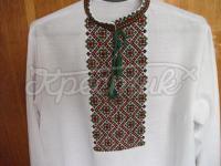 Белая мужская вышиванка с геометрическим орнаментом