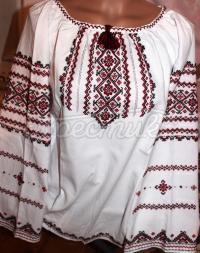 Українська жіноча вишиванка квіткова