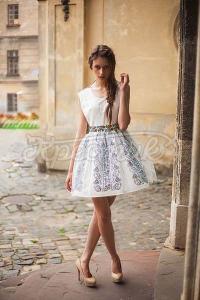 Жіноче весільне вишите плаття фото