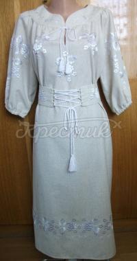 Вишите плаття білим по білому