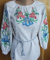 Блузка з вишитими ірисами