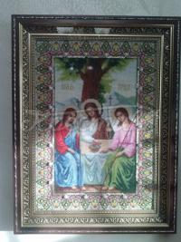 Вышитая икона Пресвятой Троицы фото