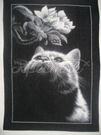 """Вишита хрестиком картина """"Кіт з магнолією"""""""