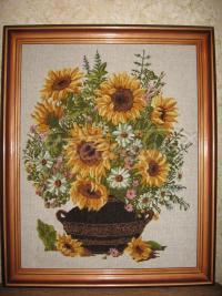 """Вишита картина """"Соняшники у вазі"""" купити"""