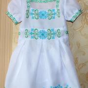 """Детское вышитое платье """"Зеленые узоры"""" фото"""