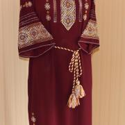 """Женское вышитое платье """"Вышневый сок"""" фото"""