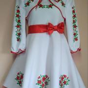 """Детское вышитое платье с накидкой """"розочки"""" фото"""