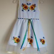 """Платье вышиванка на девочку с гипюром """"Подсолнухи"""" фото"""