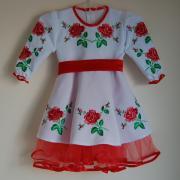 """Детское платье вышиванка """"Атласные розы"""" фото"""