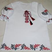 Вышитое платье для девочки ручной работы