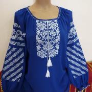 Вышитая женская блузка синее небо фото