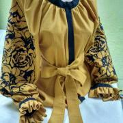 """Женская вышитая блуза с розами """"Горчичный свет"""" фото"""