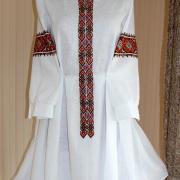 Женское вышитое платье ручной работы Геометрия фото