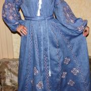 Вышитое женское платье в пол бохо стиль фото