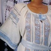 Женское вышитое платье ручной работы