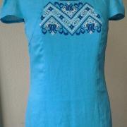 Городское платье с украинской вышивкой
