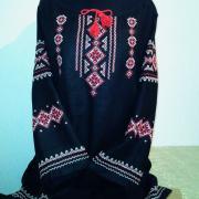 Купити чорно-червону жіночу вишиванку