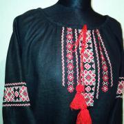 Нарядная вышиванка ручной работы черного цвета