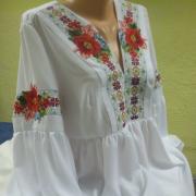 """Легка жіноча блузка """"Квітковий орнамент"""" фото"""